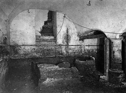 De Prinsenkelder voor de restauratie in 1944